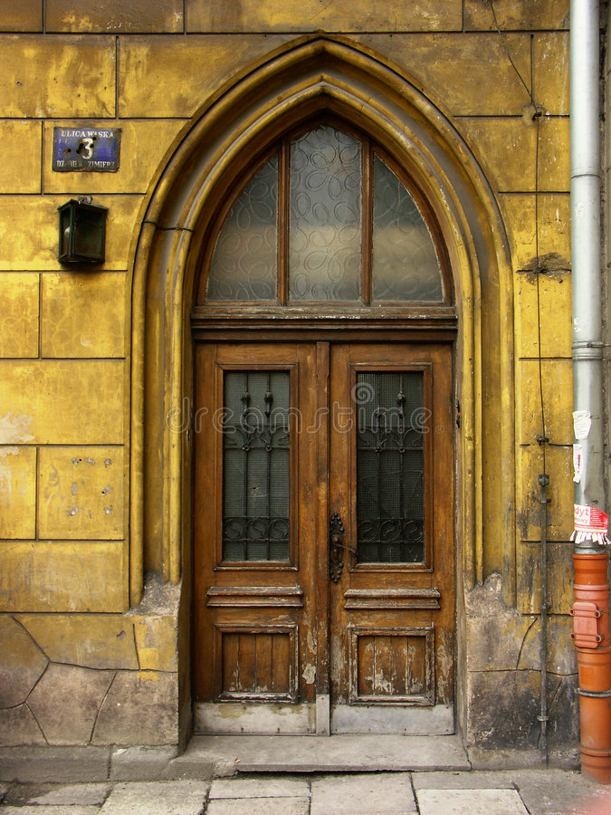 Download πόρτα παλαιά στοκ εικόνες. εικόνα από down, προσεγγισμένο - 102102
