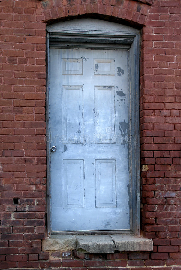 Download πόρτα παλαιά στοκ εικόνα. εικόνα από antiquate, τούβλων - 23687
