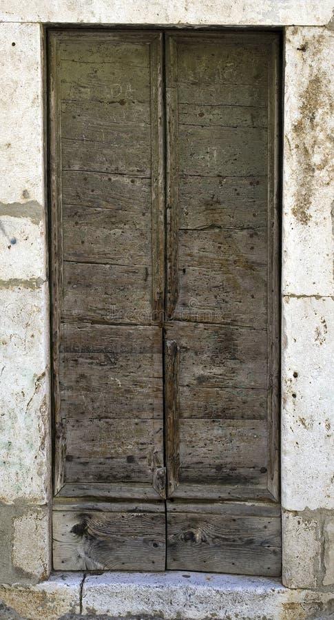 πόρτα παλαιά στοκ εικόνες με δικαίωμα ελεύθερης χρήσης