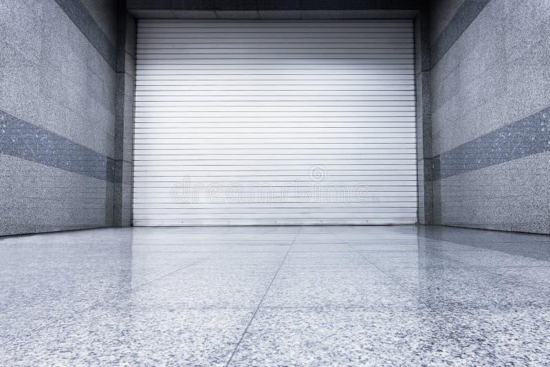 Πόρτα παραθυρόφυλλων κυλίνδρων, εσωτερικός αυτόματος τύπος, πόρτα παραθυρόφυλλων χάλυβα στοκ εικόνες