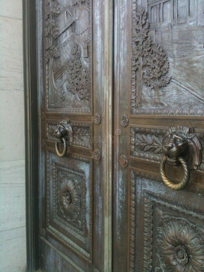 πόρτα περίκομψη στοκ φωτογραφία με δικαίωμα ελεύθερης χρήσης