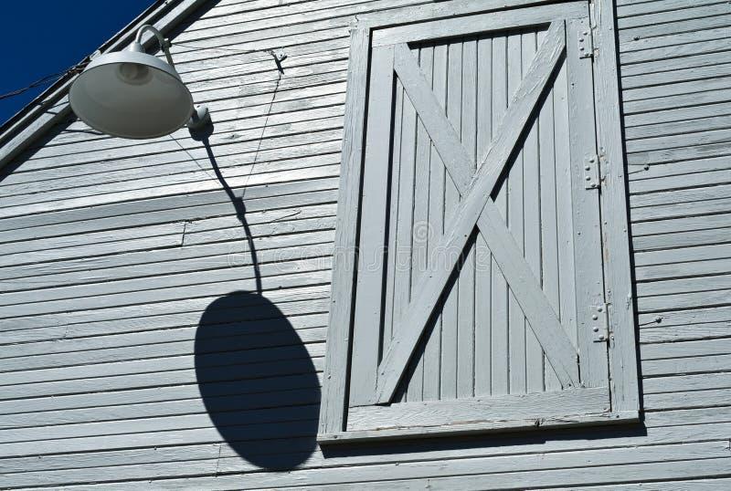 Πόρτα σιταποθηκών δεύτερων ορόφων στοκ φωτογραφία με δικαίωμα ελεύθερης χρήσης