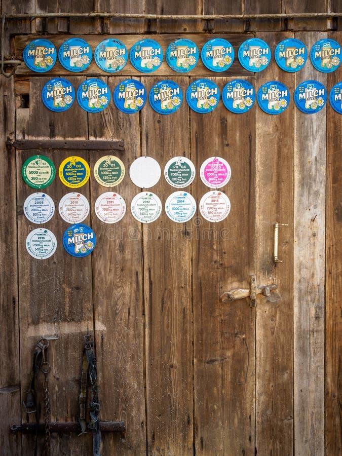 Πόρτα σιταποθηκών με τα βραβεία στοκ φωτογραφία