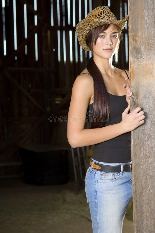 πόρτα σιταποθηκών cowgirl στοκ εικόνα