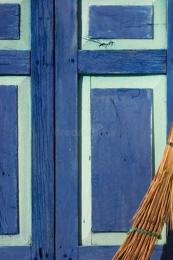 Download πόρτα σκουπών στοκ εικόνα. εικόνα από φορολογικός, άσπρος - 525197
