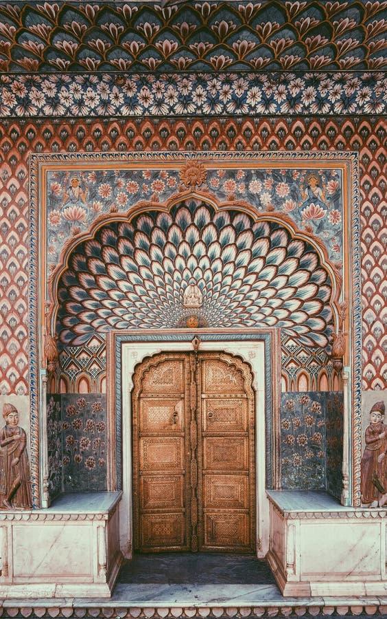 Πόρτα στο παλάτι πόλεων στο Jaipur στοκ εικόνα με δικαίωμα ελεύθερης χρήσης