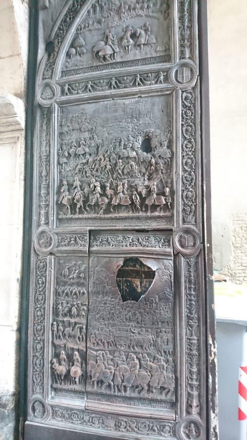 Πόρτα του Castle στοκ εικόνα με δικαίωμα ελεύθερης χρήσης