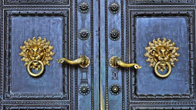 Πόρτα του Peter και του καθεδρικού ναού του Paul σε Pécs, Ουγγαρία στοκ εικόνα