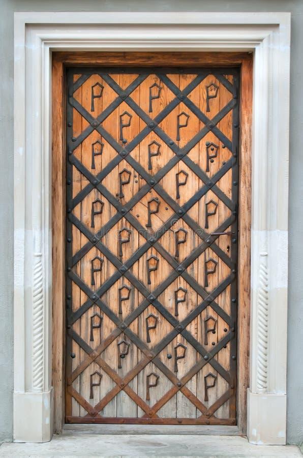 Download πόρτα στοκ εικόνα. εικόνα από αναδρομικός, πύργος, τούβλου - 17057815