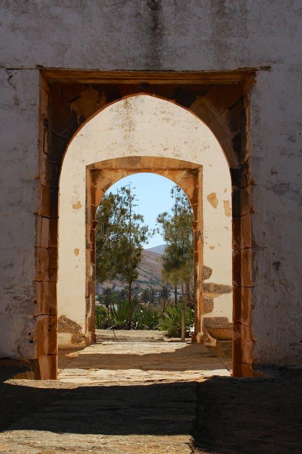 Πόρτες καταστροφών στοκ εικόνα με δικαίωμα ελεύθερης χρήσης