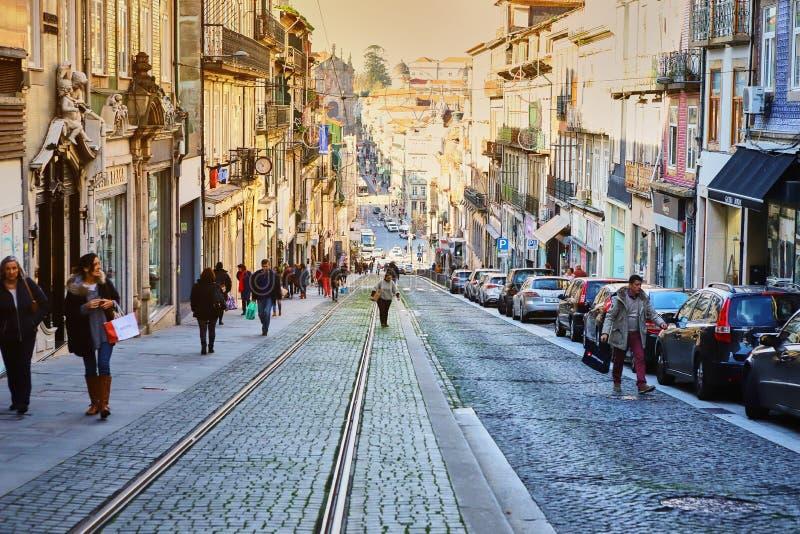 Πόρτο, Πορτογαλία - Δεκέμβριος 11, 2018: Οδοί του Πόρτο με τα χαρακτηριστικά μικρά σπίτια στο κέντρο πόλεων στοκ εικόνες με δικαίωμα ελεύθερης χρήσης