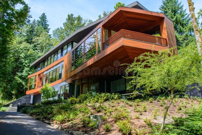 Πόρτλαντ, Όρεγκον, ΗΠΑ - 12 Ιουνίου 2015: Άποψη του διάσημου σπιτιού ` Cullen ` από το λυκόφως ` μακριών περιπετειωδών μυθιστορημ στοκ εικόνα