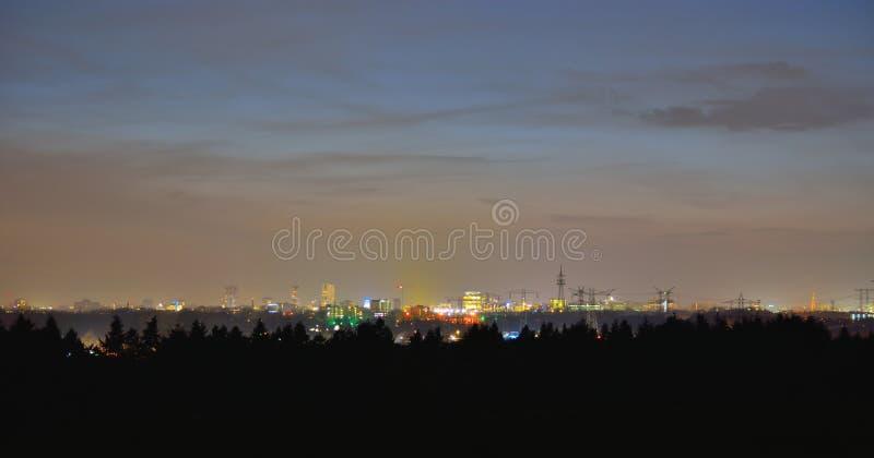 Πόλη εικονικής παράστασης πόλης, Αϊντχόβεν τη νύχτα στοκ φωτογραφίες με δικαίωμα ελεύθερης χρήσης