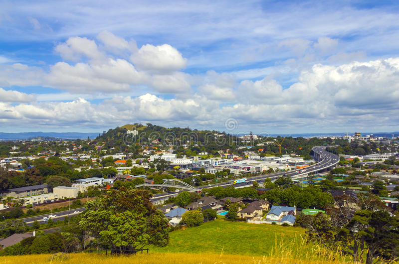 Πόλη και αστική άποψη τοπίων από την ΑΜ Hobson Ώκλαντ Νέα Ζηλανδία στοκ εικόνα