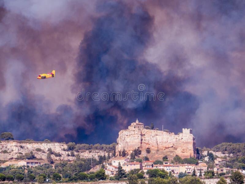 Πόλη στην πυρκαγιά στοκ εικόνες