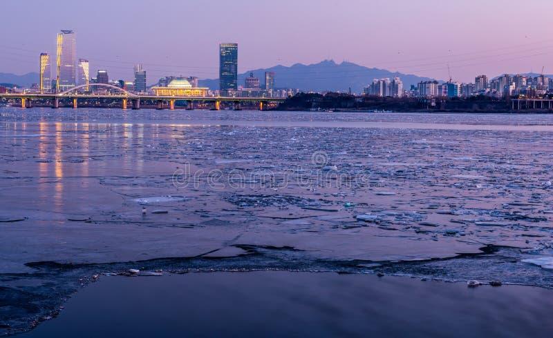 Πόλη της Σεούλ και στο κέντρο της πόλης ορίζοντας στη Σεούλ, Νότια Κορέα στοκ φωτογραφία με δικαίωμα ελεύθερης χρήσης