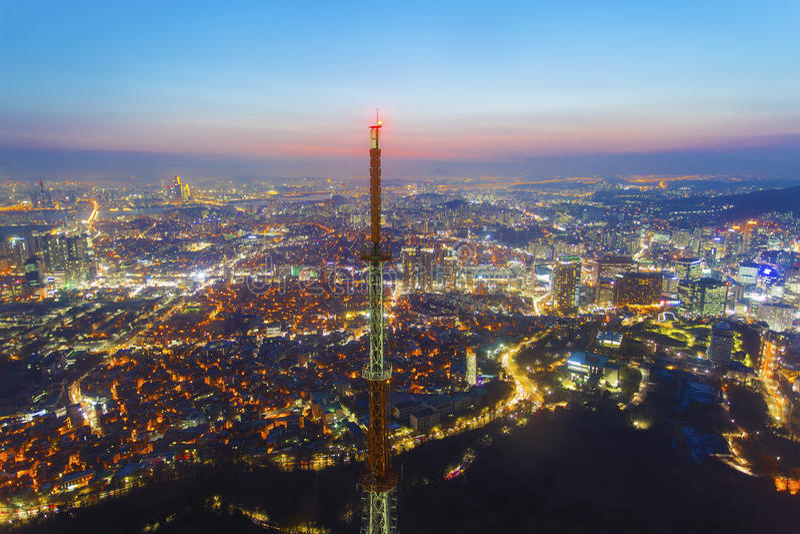 Πόλη της Σεούλ τη νύχτα στη Νότια Κορέα στοκ εικόνα με δικαίωμα ελεύθερης χρήσης