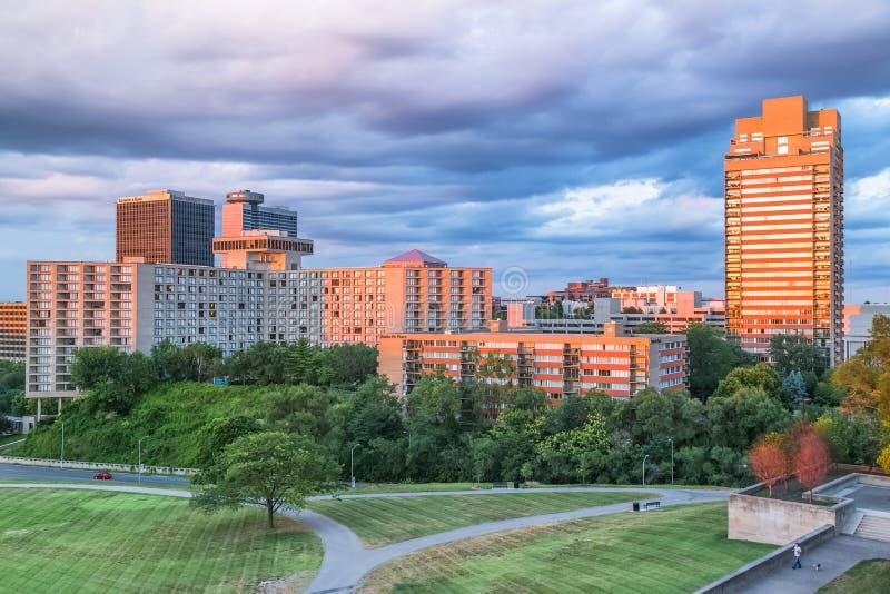 Πόλη του Κάνσας, MO/USA - τον Ιούλιο του 2015 circa: Υψηλά κτήρια ανόδου στην πόλη του Κάνσας, Μισσούρι στοκ εικόνα