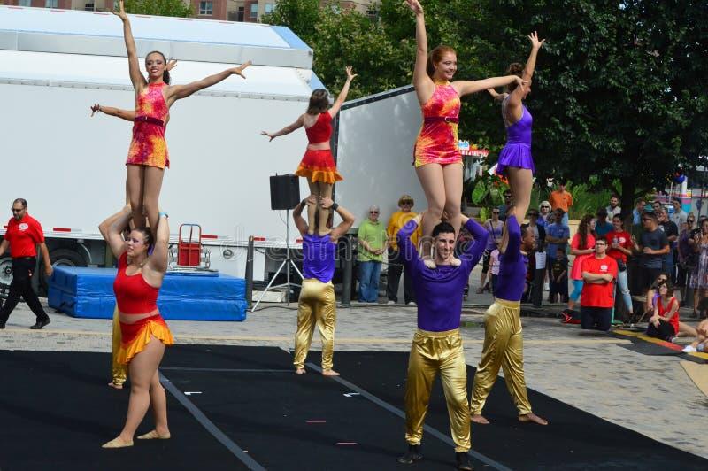 Πόλη του Μπλούμινγκτον, ΗΠΑ - 27 Αυγούστου 2016 - Phi γάμμα τσίρκο acrob στοκ φωτογραφία με δικαίωμα ελεύθερης χρήσης