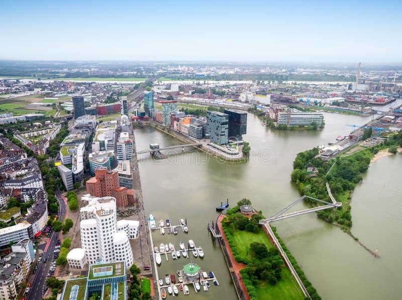Πόλη του Ντίσελντορφ κατά την εναέρια άποψη της Γερμανίας στοκ εικόνα με δικαίωμα ελεύθερης χρήσης