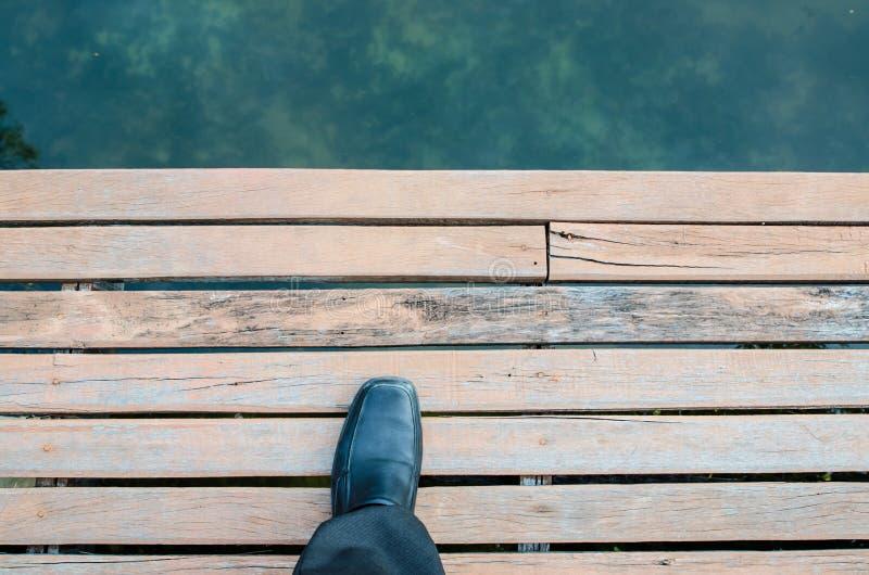 Πόδι και πόδια που βλέπουν άνωθεν στοκ εικόνες