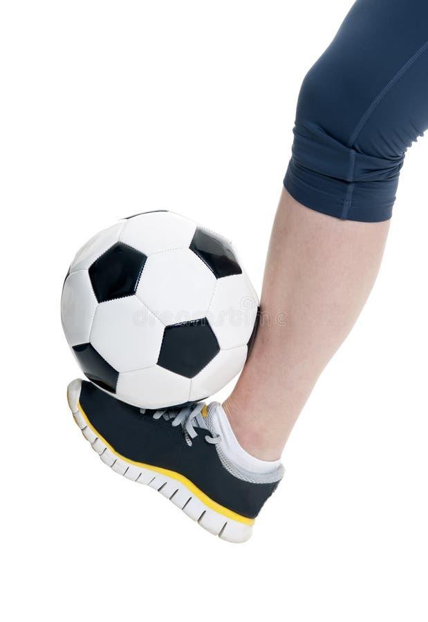 Πόδι με τη σφαίρα ποδοσφαίρου στοκ εικόνες με δικαίωμα ελεύθερης χρήσης