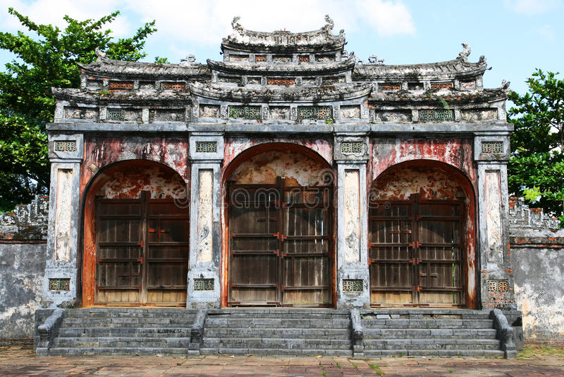 Download πύλη Βιετνάμ στοκ εικόνα. εικόνα από διακοπές, καλλιέργεια - 13186579