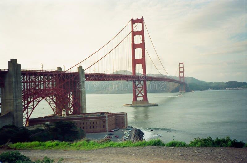 πύλη γεφυρών χρυσή στοκ φωτογραφία με δικαίωμα ελεύθερης χρήσης