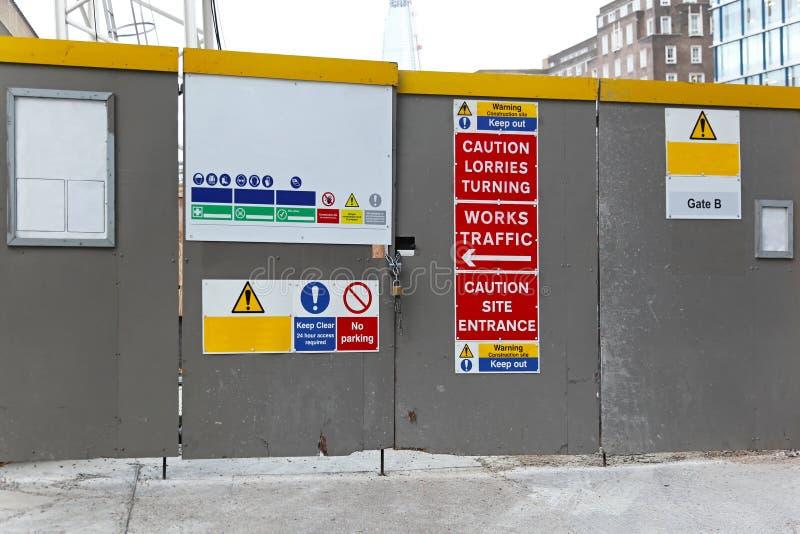 Πύλη εργοτάξιων οικοδομής στοκ φωτογραφίες με δικαίωμα ελεύθερης χρήσης