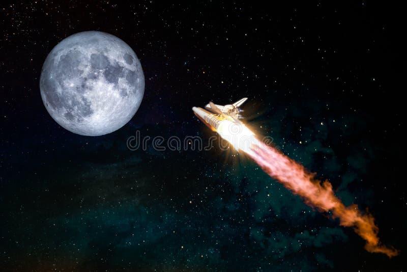 Πύραυλος που πετά στο διάστημα με το φεγγάρι ανόητων στοκ εικόνα