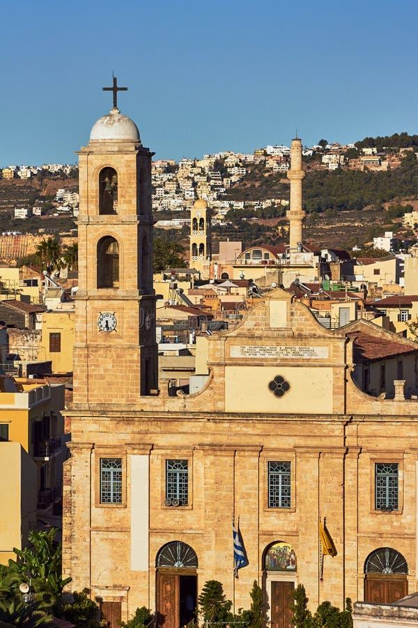 Πύργοι και μιναρές εκκλησιών σε Chania στοκ φωτογραφία με δικαίωμα ελεύθερης χρήσης