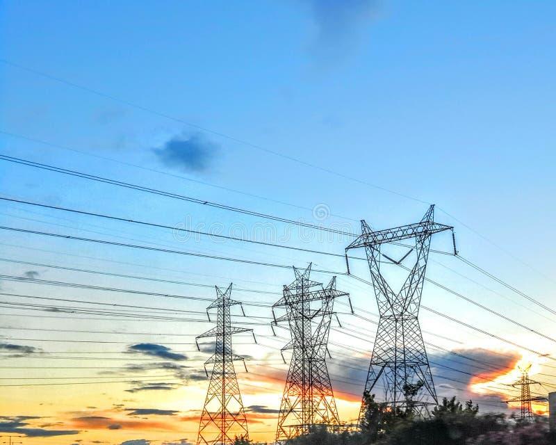 Πύργοι της ηλεκτρικής ενέργειας στοκ εικόνες με δικαίωμα ελεύθερης χρήσης
