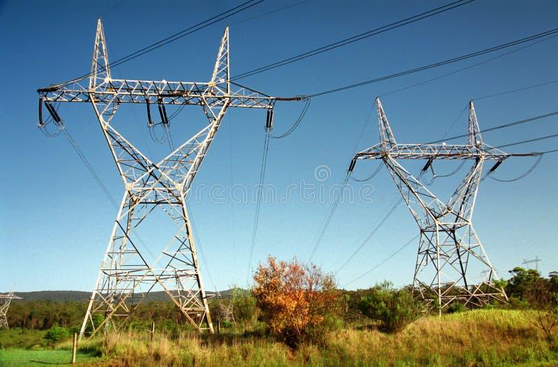 Πύργοι δύναμης υψηλής τάσης στοκ εικόνες