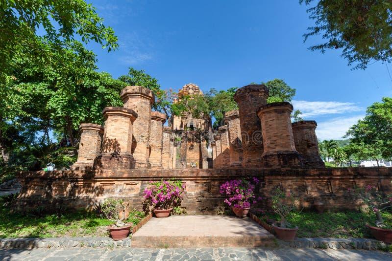 Πύργοι Cham po Nagar Διάσημο παλάτι σε Nhatrang, Βιετνάμ στοκ φωτογραφία