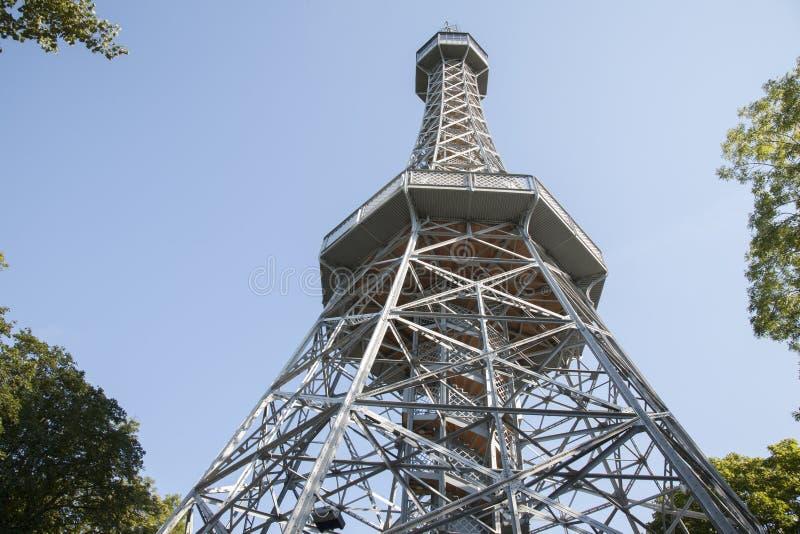 Πύργος επιφυλακής, πάρκο Hill Petrin, Πράγα στοκ φωτογραφία
