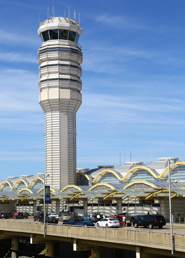 Πύργος ελέγχου εναέριας κυκλοφορίας του αερολιμένα του Ronald Reagan στοκ εικόνες