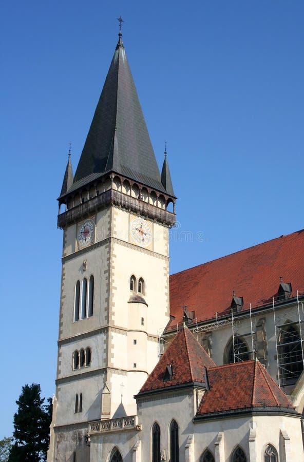 Πύργος καθεδρικών ναών με τις ώρες στοκ φωτογραφία