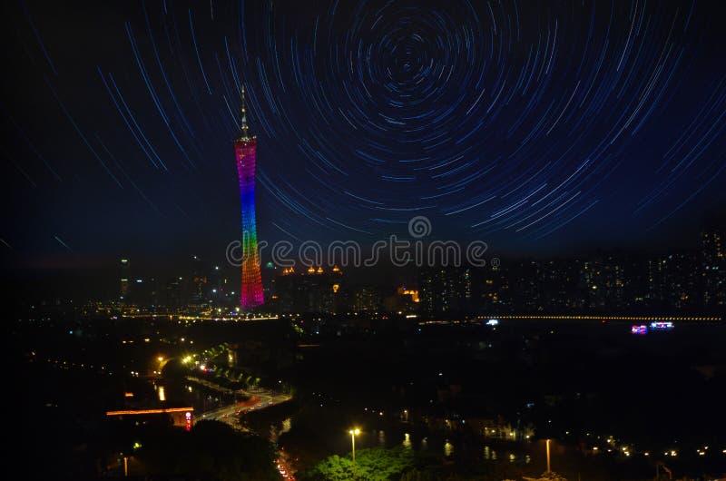 Πύργος καντονίου Guangzhou με την τροχιά στοκ εικόνες