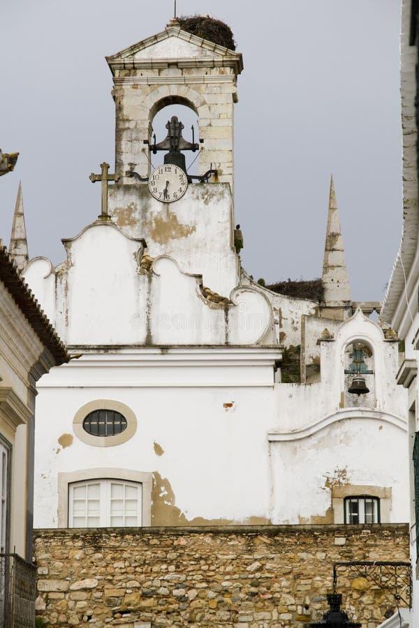 Πύργος κουδουνιών μιας εκκλησίας στοκ εικόνες