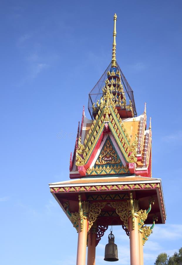 Πύργος κουδουνιών στον ταϊλανδικό ναό στοκ φωτογραφία με δικαίωμα ελεύθερης χρήσης