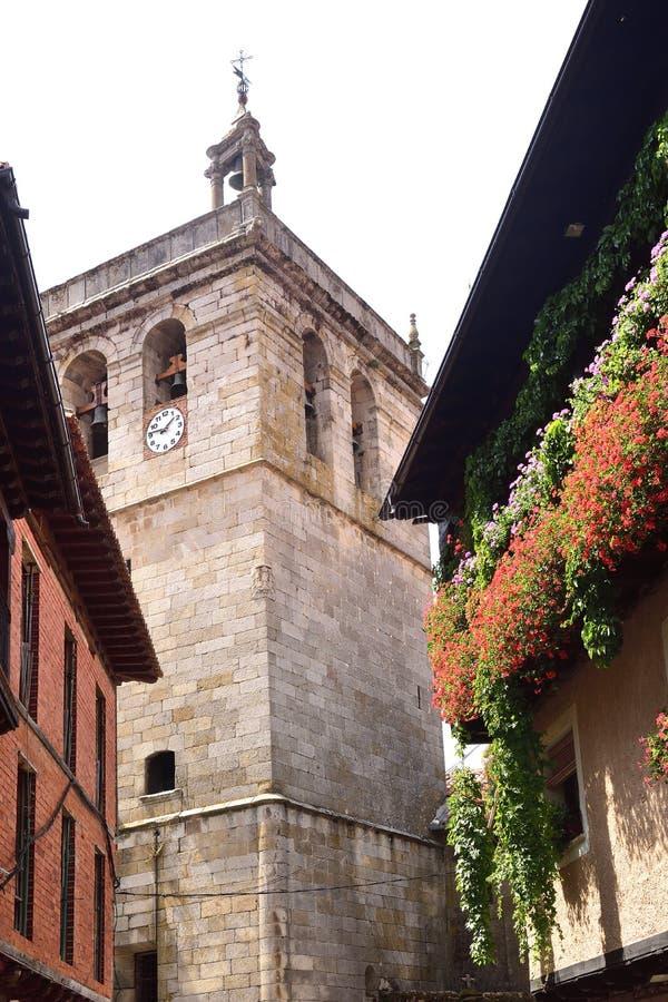 Πύργος κουδουνιών της εκκλησίας Λα Asuncion, Λα Alberca, Σαλαμάνκα επαρχία στοκ φωτογραφίες