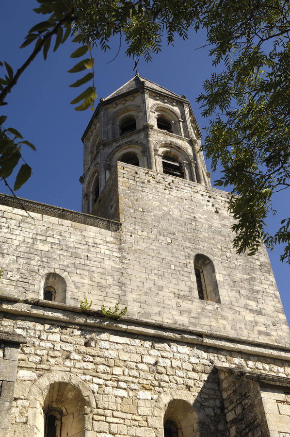 Πύργος κουδουνιών της εκκλησίας του Saint-Michel του Λα Garde - Adhemar στοκ φωτογραφία με δικαίωμα ελεύθερης χρήσης