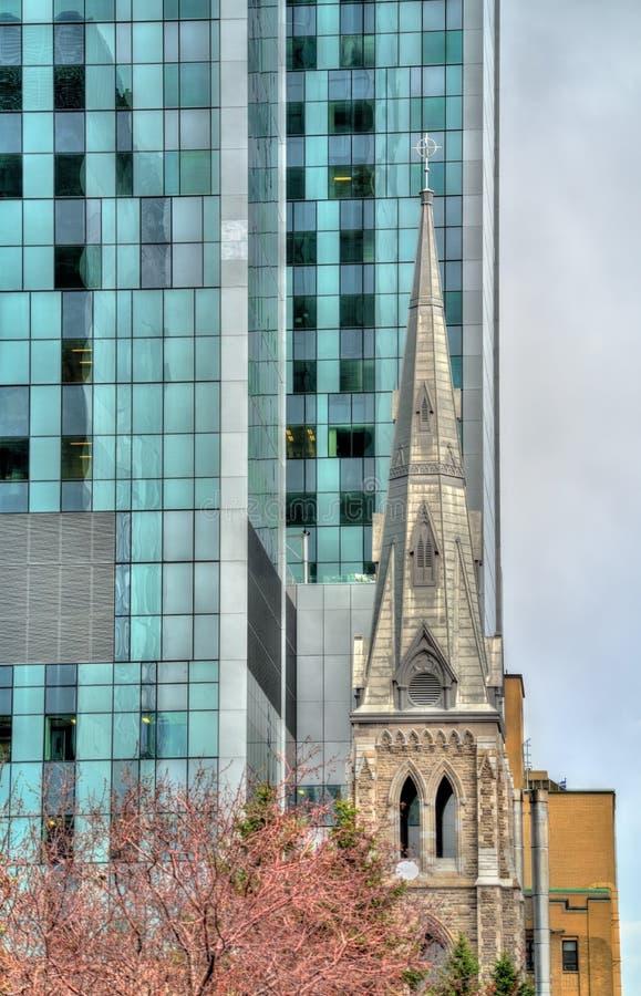Πύργος κουδουνιών της ιερής εκκλησίας Savior στο Μόντρεαλ, Καναδάς στοκ φωτογραφίες