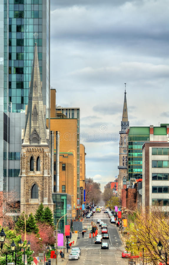 Πύργος κουδουνιών της ιερής εκκλησίας Savior στο Μόντρεαλ, Καναδάς στοκ φωτογραφία με δικαίωμα ελεύθερης χρήσης