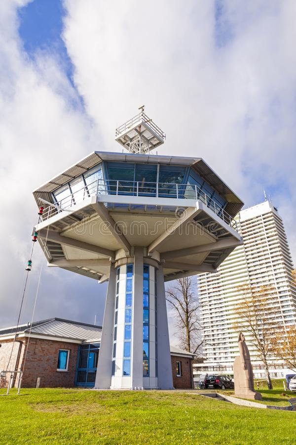 Πύργος κυκλοφορίας ελέγχου σε Travemuende, η θάλασσα της Βαλτικής, Γερμανία στοκ φωτογραφίες με δικαίωμα ελεύθερης χρήσης