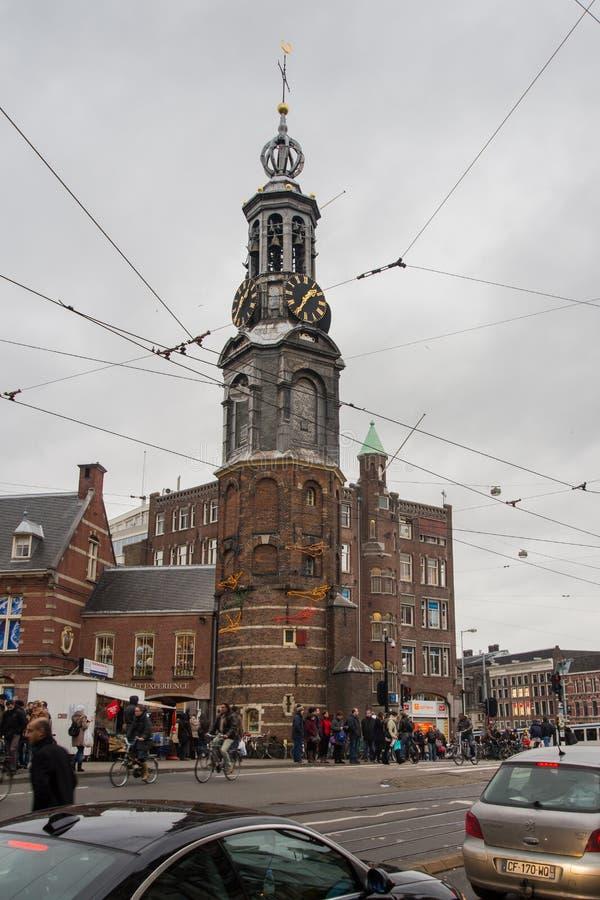 Πύργος μεντών (Munttoren) και το σπίτι φρουράς στοκ φωτογραφία με δικαίωμα ελεύθερης χρήσης