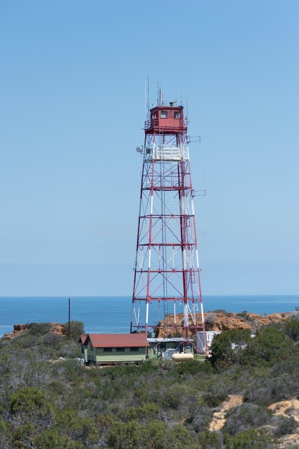 Πύργος που αγνοεί τον ωκεανό στοκ εικόνα με δικαίωμα ελεύθερης χρήσης