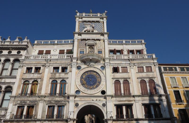 Πύργος ρολογιών σημαδιών του ST στη Βενετία στοκ εικόνα με δικαίωμα ελεύθερης χρήσης
