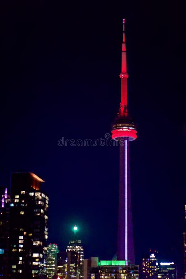 Πύργος ΣΟ και στο κέντρο της πόλης του Τορόντου, Καναδάς τή νύχτα στοκ φωτογραφίες με δικαίωμα ελεύθερης χρήσης