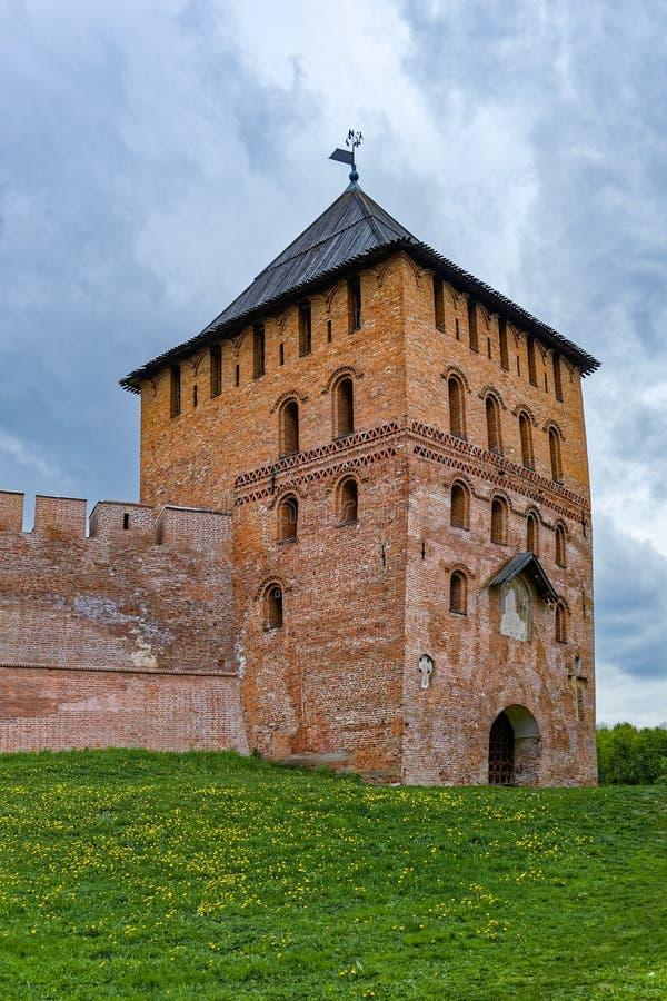 Πύργος του Βλαντιμίρ του φρουρίου του Κρεμλίνου σε Veliky Novgorod, Russi στοκ εικόνα